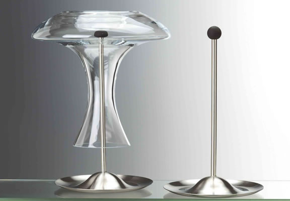 Decanter and carafe stand